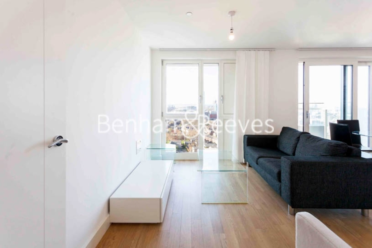 1 bedroom(s) flat to rent in Jefferson Plaza, Canary Wharf, E3-image 1