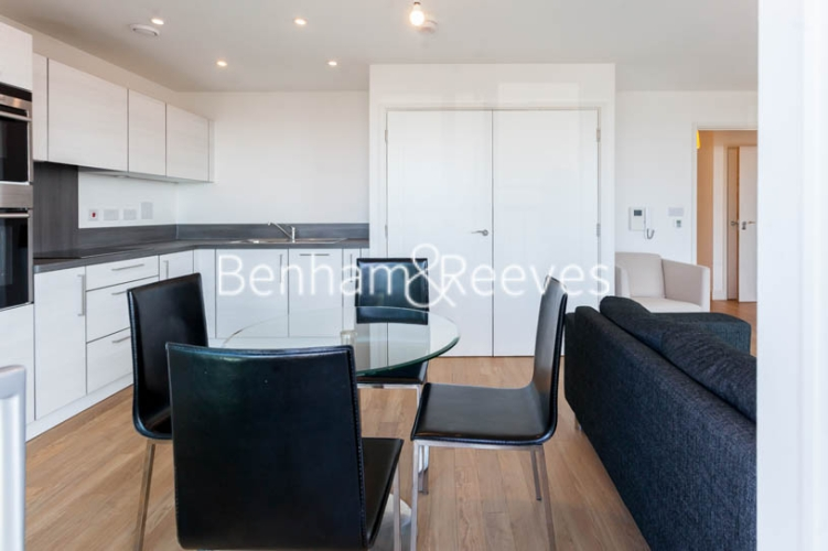 1 bedroom(s) flat to rent in Jefferson Plaza, Canary Wharf, E3-image 7