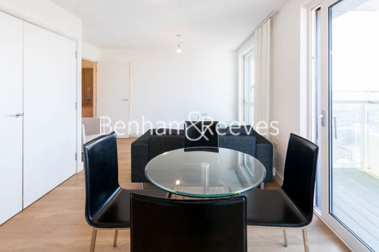 1 bedroom(s) flat to rent in Jefferson Plaza, Canary Wharf, E3-image 9