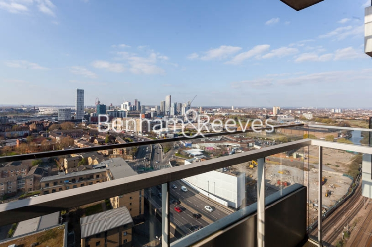 1 bedroom(s) flat to rent in Jefferson Plaza, Canary Wharf, E3-image 10