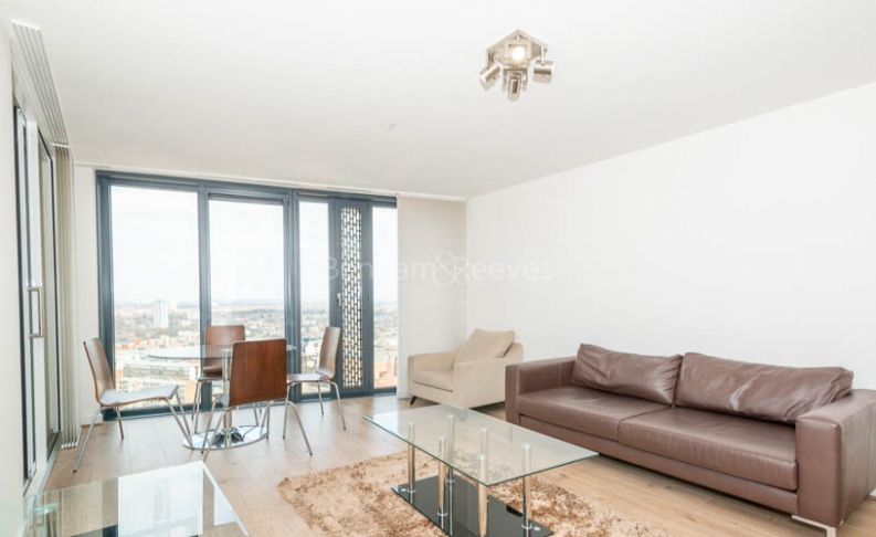 1 bedroom(s) flat to rent in Unex Tower, Station Street, E15-image 1