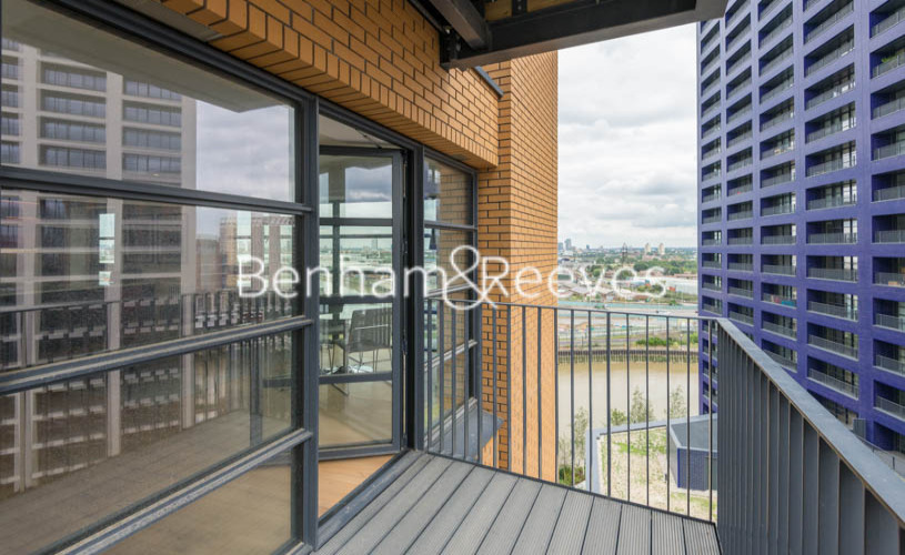 2 bedroom(s) flat to rent in Lyell Street, Canary Wharf, E14-image 11