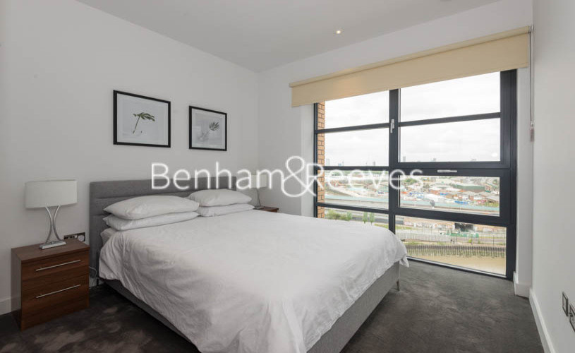 2 bedroom(s) flat to rent in Lyell Street, Canary Wharf, E14-image 16
