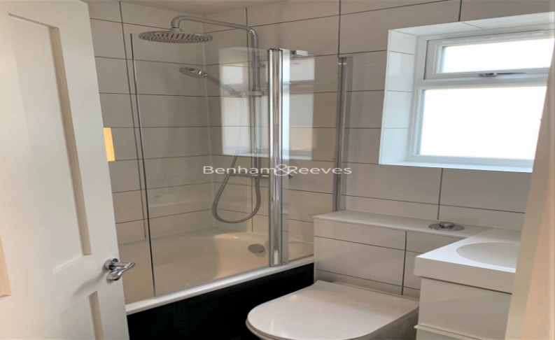 1 bedroom(s) flat to rent in Third Avenue, Canary Wharf, E12-image 4