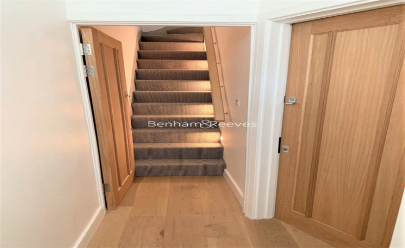2 bedroom(s) flat to rent in Third Avenue, Eastham, E12-image 5