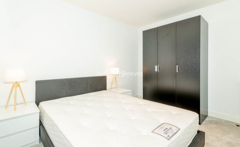 2 bedroom(s) flat to rent in Major Draper Street, Canary Wharf ,SE18-image 4