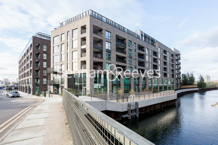 1 bedroom(s) flat to rent in Southmere House, Highland Street, E15-image 7