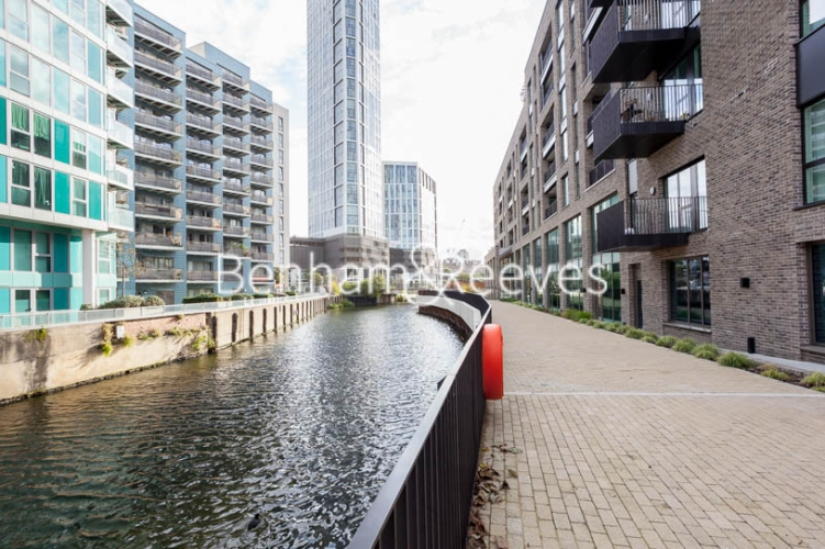 1 bedroom(s) flat to rent in Southmere House, Highland Street, E15-image 9