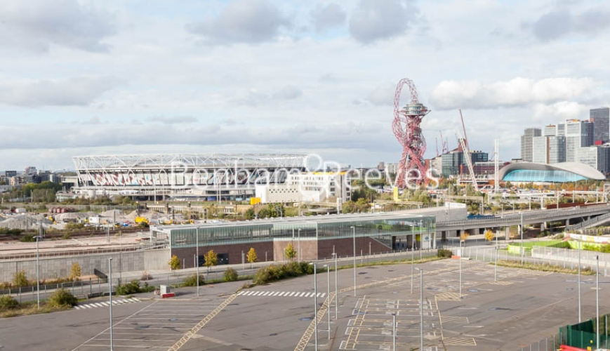 1 bedroom(s) flat to rent in Southmere House, Highland Street, E15-image 10