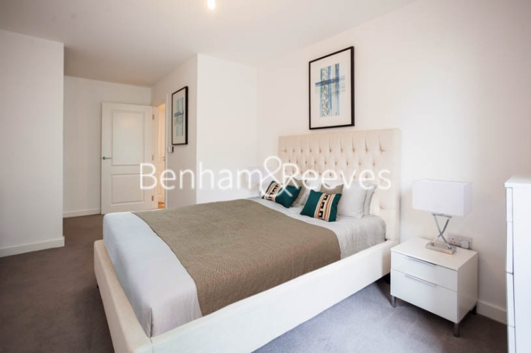 1 bedroom(s) flat to rent in Southmere House, Highland Street, E15-image 11