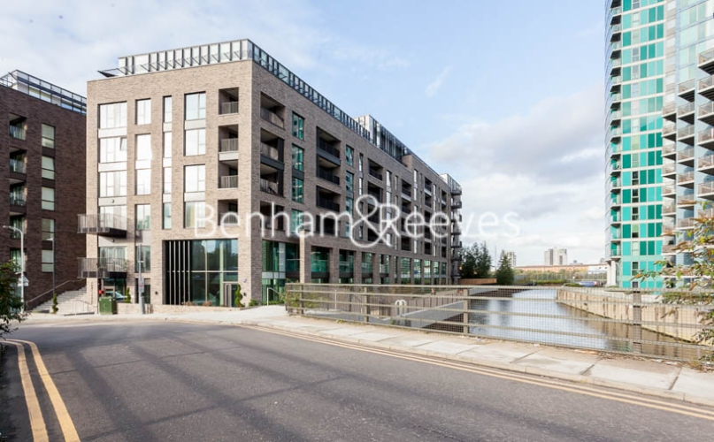 1 bedroom(s) flat to rent in Southmere House, Highland Street, E15-image 12