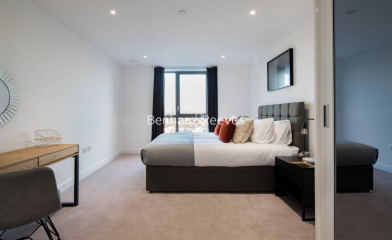 2 bedroom(s) flat to rent in East Ferry Road, Canary Wharf, E14-image 4