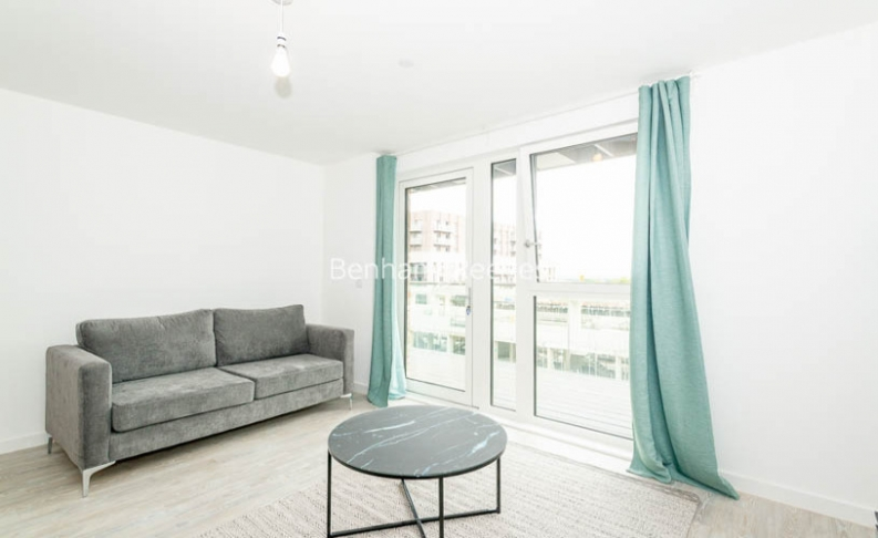 1 bedroom(s) flat to rent in Chamberlain Court , Ironworks Way, E13-image 1