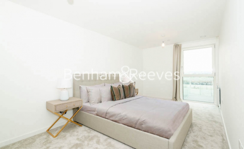 1 bedroom(s) flat to rent in Chamberlain Court , Ironworks Way, E13-image 8