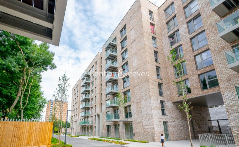 1 bedroom(s) flat to rent in Chamberlain Court , Ironworks Way, E13-image 9