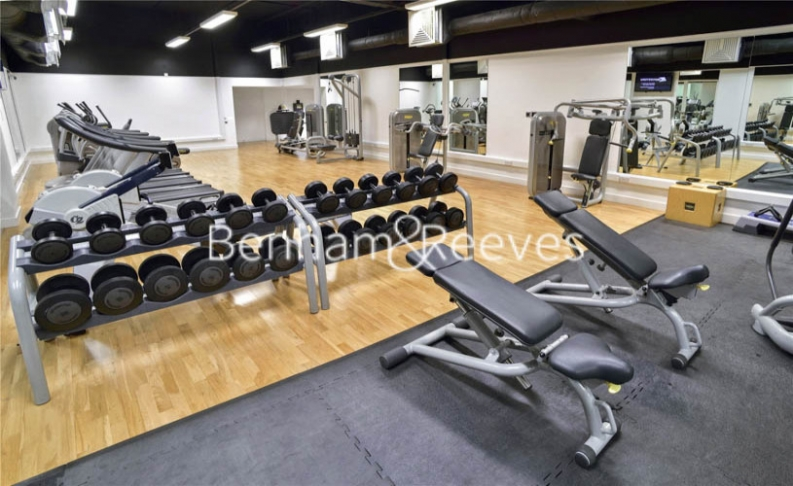 1 bedroom(s) flat to rent in Landmark East Tower, Canary Wharf, E14-image 4