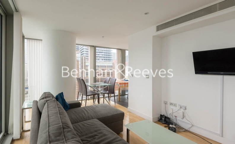 1 bedroom(s) flat to rent in Landmark East Tower, Canary Wharf, E14-image 6