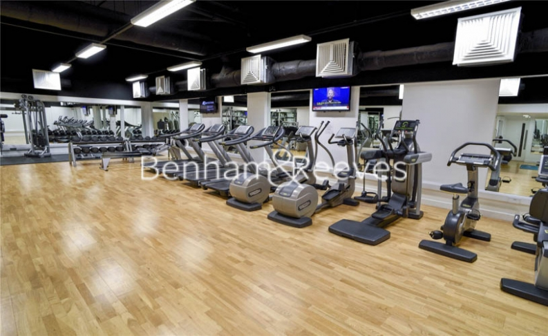 1 bedroom(s) flat to rent in Landmark East Tower, Canary Wharf, E14-image 7