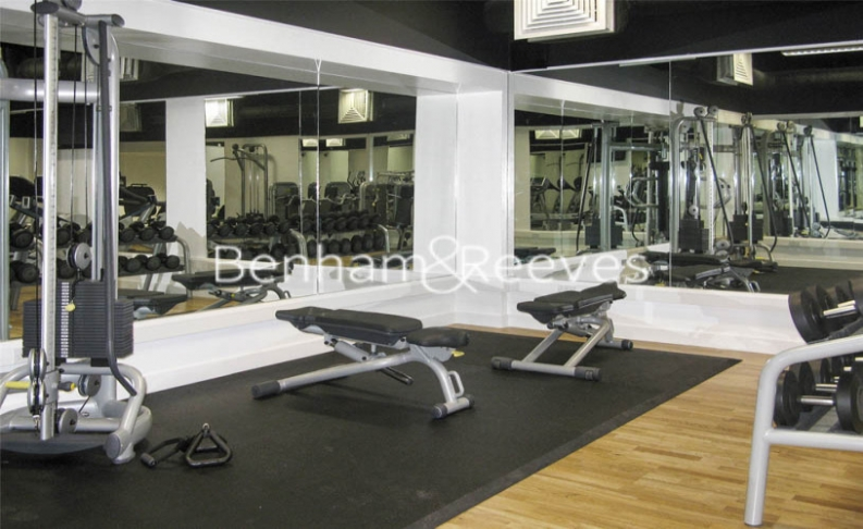 1 bedroom(s) flat to rent in Landmark East Tower, Canary Wharf, E14-image 9