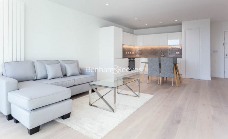 1 bedroom(s) flat to rent in Royal Crest Avenue, Canary Wharf, E16-image 8