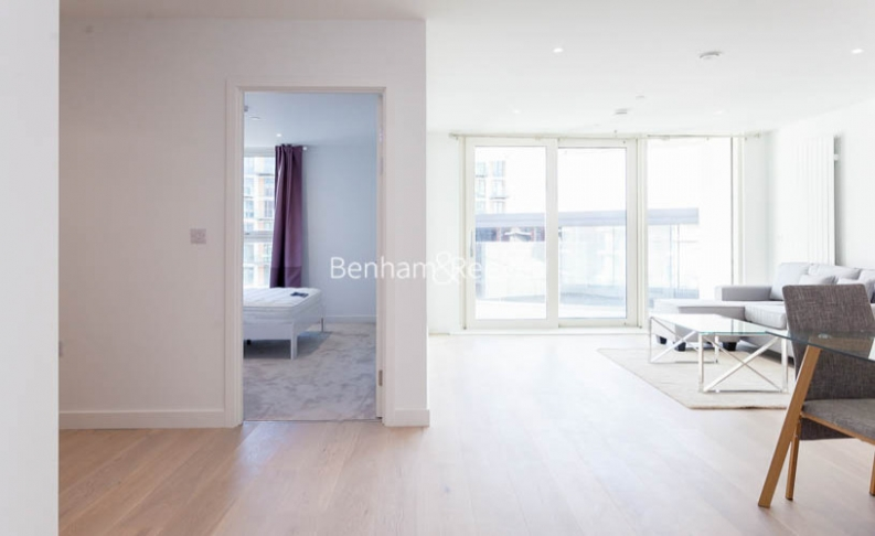 1 bedroom(s) flat to rent in Royal Crest Avenue, Canary Wharf, E16-image 11