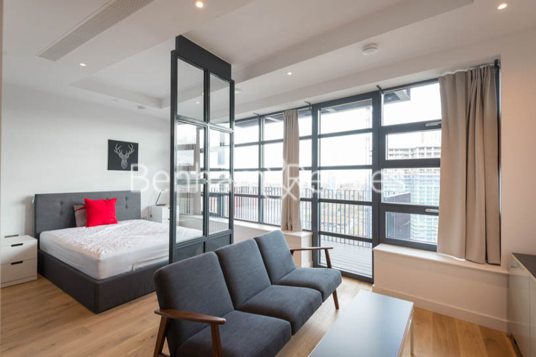 Studio flat to rent in Defoe House, Lockout Lane, E14-image 7