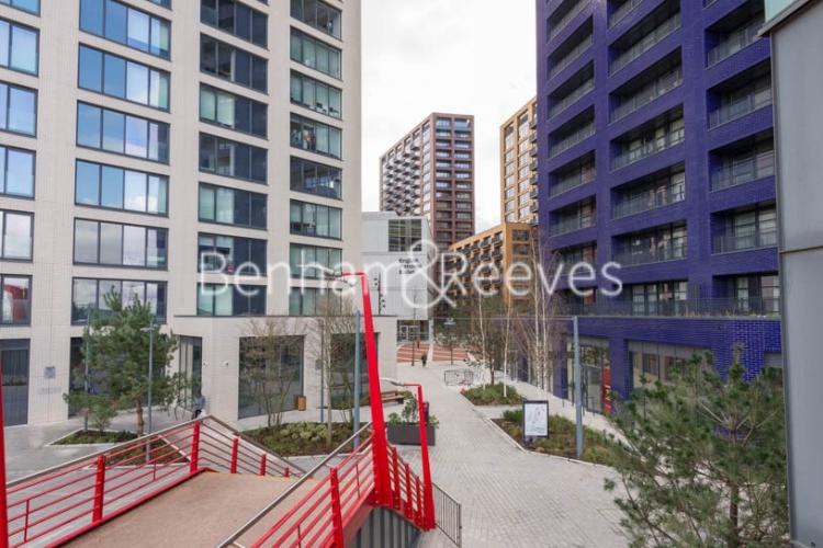 Studio flat to rent in Defoe House, Lockout Lane, E14-image 14