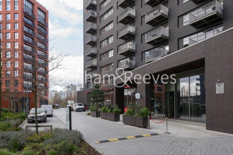 Studio flat to rent in Defoe House, Lockout Lane, E14-image 15
