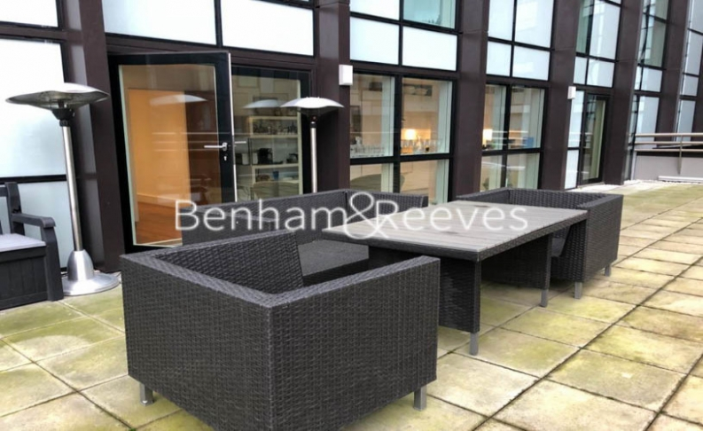 2 bedroom(s) flat to rent in Jackson Tower, Lincoln Plaza, E14-image 10