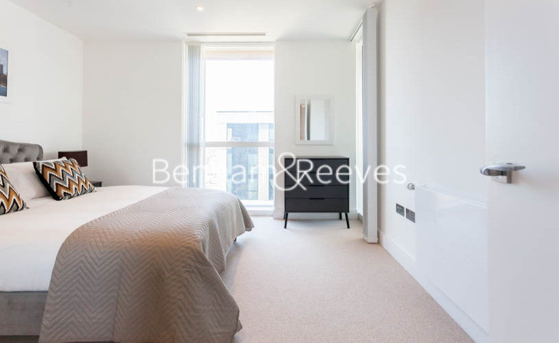 1 bedroom(s) flat to rent in Maine Tower, Harbour Way, E14-image 16