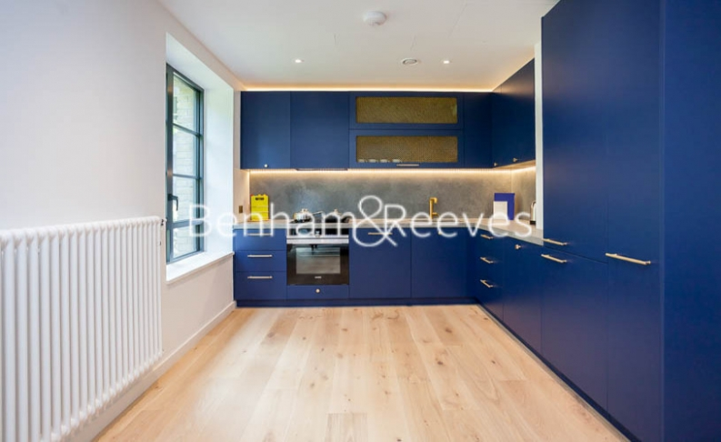 1 bedroom(s) flat to rent in GoodLuck Hope, Canary Wharf, E14-image 2