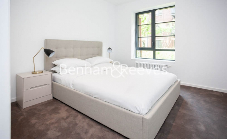 1 bedroom(s) flat to rent in GoodLuck Hope, Canary Wharf, E14-image 10
