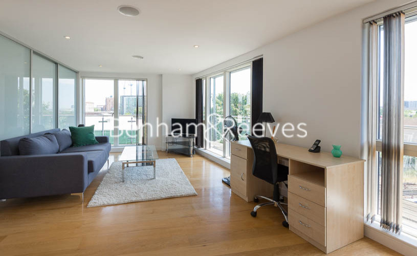 2 bedroom(s) flat to rent in Caspian Wharf, Canary Wharf, E3-image 1