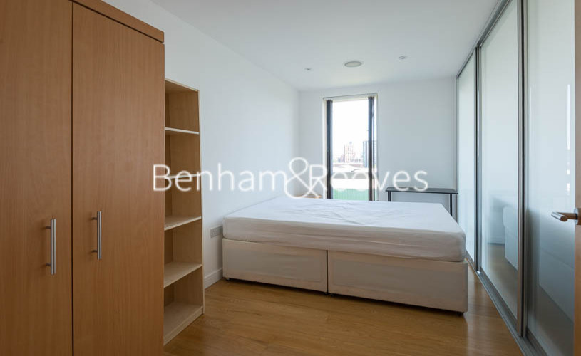 2 bedroom(s) flat to rent in Caspian Wharf, Canary Wharf, E3-image 4