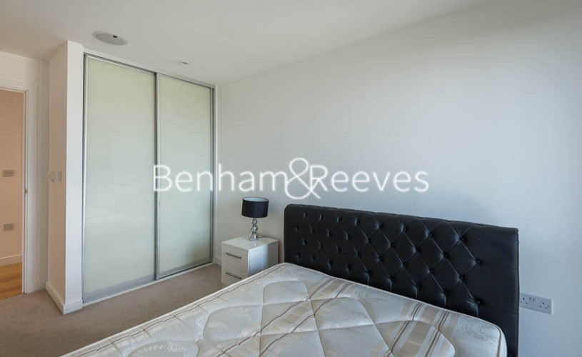 2 bedroom(s) flat to rent in Caspian Wharf, Canary Wharf, E3-image 13