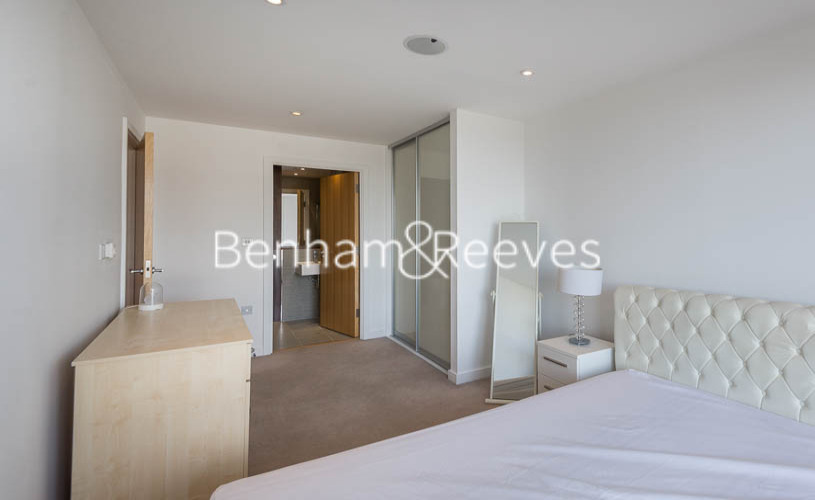 2 bedroom(s) flat to rent in Caspian Wharf, Canary Wharf, E3-image 15