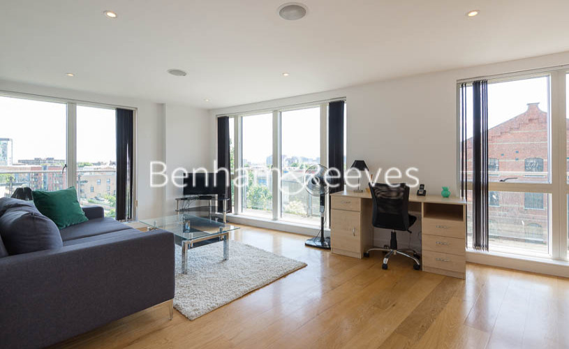 2 bedroom(s) flat to rent in Caspian Wharf, Canary Wharf, E3-image 19