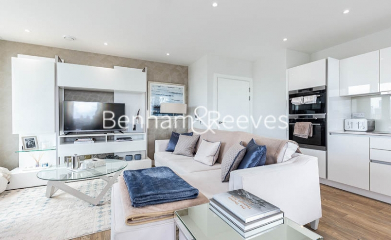 3 bedroom(s) flat to rent in Gordian Apartments, Cable Walk, SE10-image 19