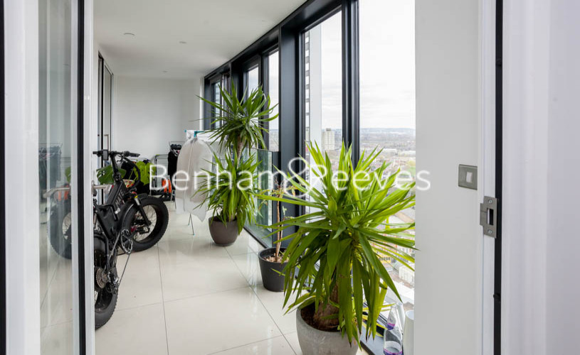 2 bedroom(s) flat to rent in Station Street, Canary Wharf, E15-image 5