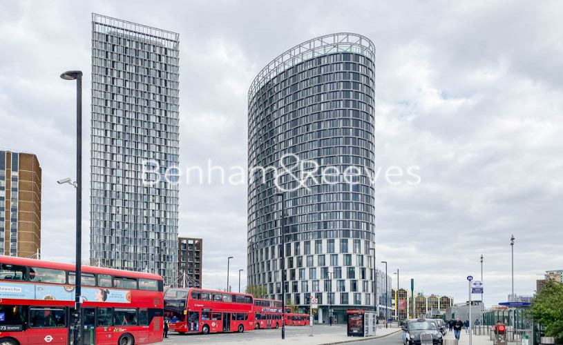 2 bedroom(s) flat to rent in Station Street, Canary Wharf, E15-image 7