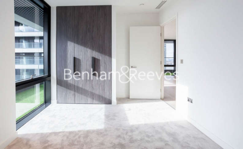 2 bedroom(s) flat to rent in Bagshaw Tower, Wardian Canary Wharf, E14-image 3