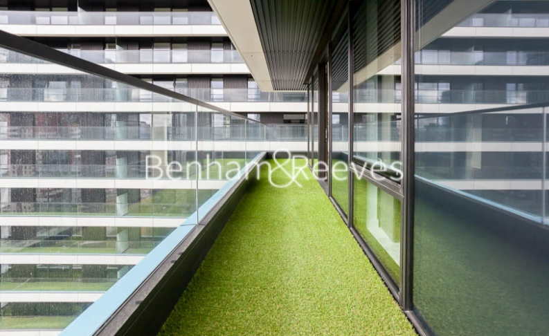 2 bedroom(s) flat to rent in Bagshaw Tower, Wardian Canary Wharf, E14-image 5