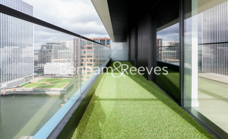2 bedroom(s) flat to rent in Bagshaw Tower, Wardian Canary Wharf, E14-image 10