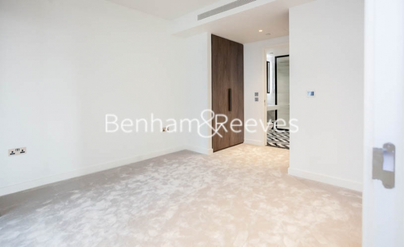 2 bedroom(s) flat to rent in Bagshaw Tower, Wardian Canary Wharf, E14-image 19