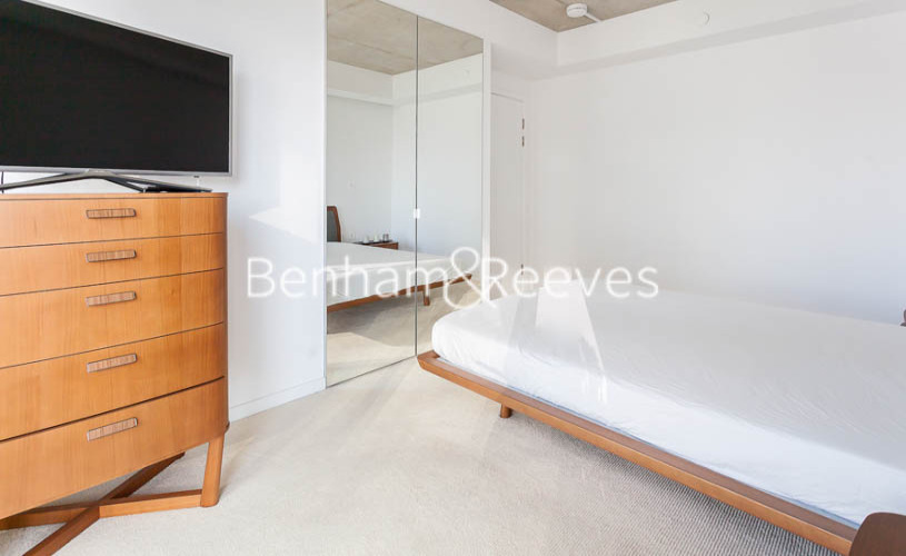 2 bedroom(s) flat to rent in 3 Tidal Basin Road, Canary Wharf, E16-image 1