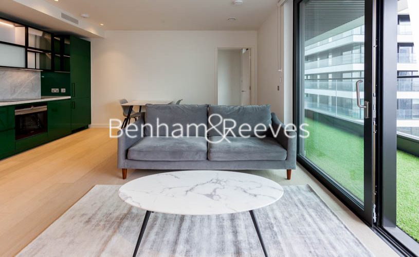 1 bedroom(s) flat to rent in Hobart Building, Wards Place E14-image 2