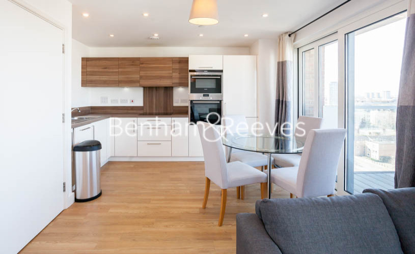 3 bedroom(s) flat to rent in Marner Point, Jefferson Plaza, E3-image 9