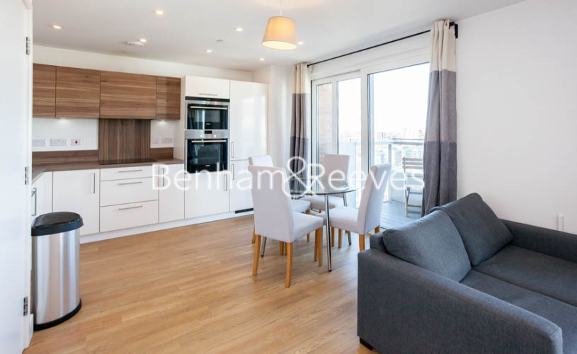 3 bedroom(s) flat to rent in Marner Point, Jefferson Plaza, E3-image 12
