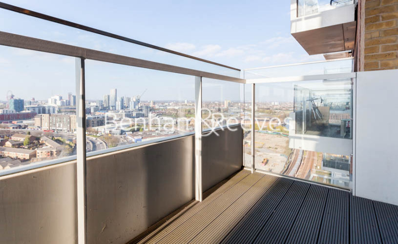 3 bedroom(s) flat to rent in Marner Point, Jefferson Plaza, E3-image 15