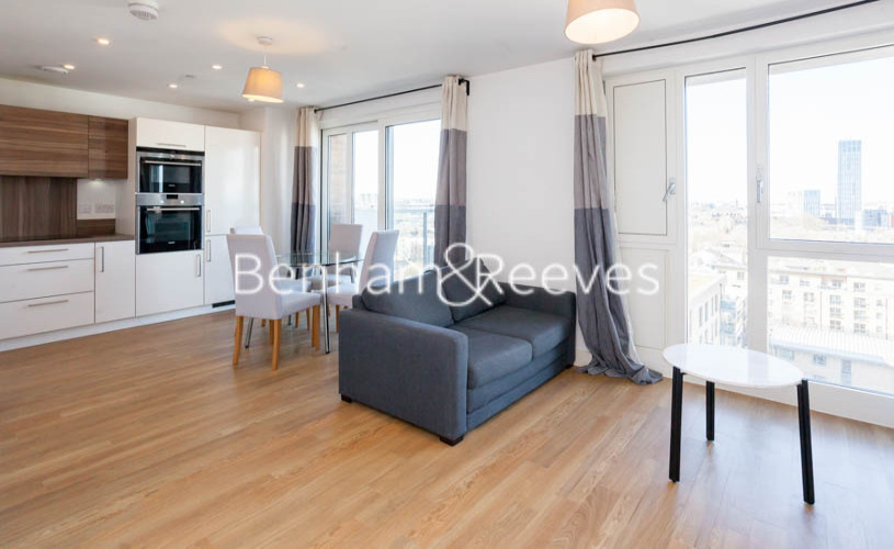 3 bedroom(s) flat to rent in Marner Point, Jefferson Plaza, E3-image 17